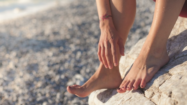 reflexology massage is one of the best ways to alleviate swelling problems.